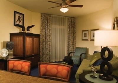 Ocean Boulevard 1B Living Room