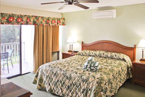 Makai Club Condo Master Bedroom