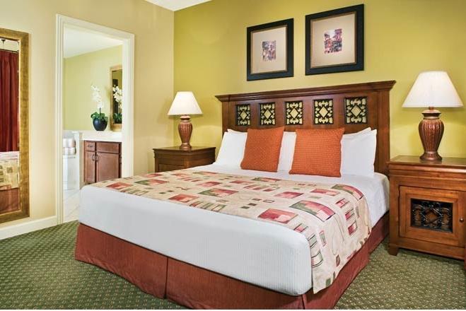 La Cascada Master Bedroom