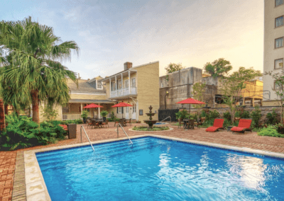 Avenue Plaza Outdoor Pool
