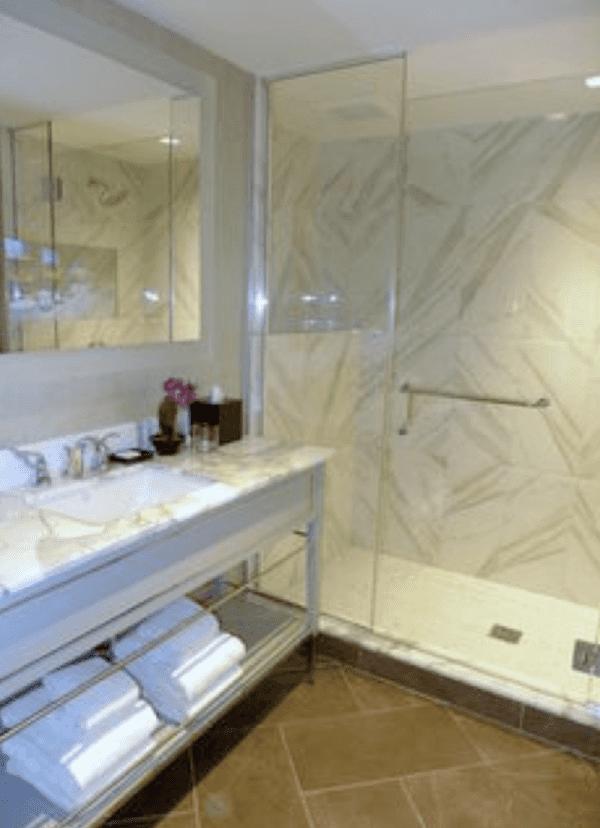 Manhattan Club Bathroom